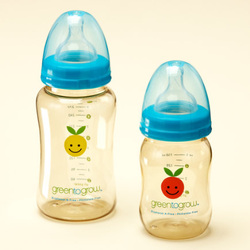 LAND OF NOD BOTTLES AND SIPPY CUPS